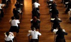 疫情延续,明年GCSE考试或再面临取消?